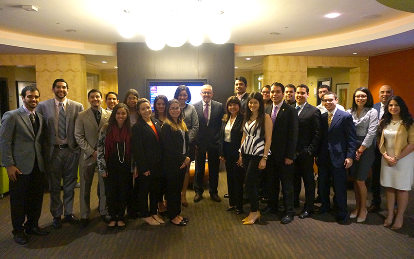 Bob Llamas from Univision meets with Puerto Rican students