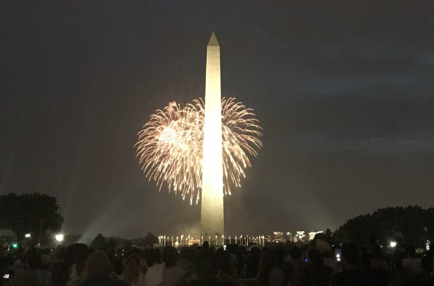 washington-monument-fourth-of-july