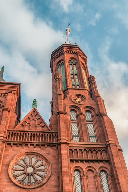 The Smithsonian Castle houses the administrative offices of the Smithsonian. The main visitor center is also located here, with interactive displays and maps.